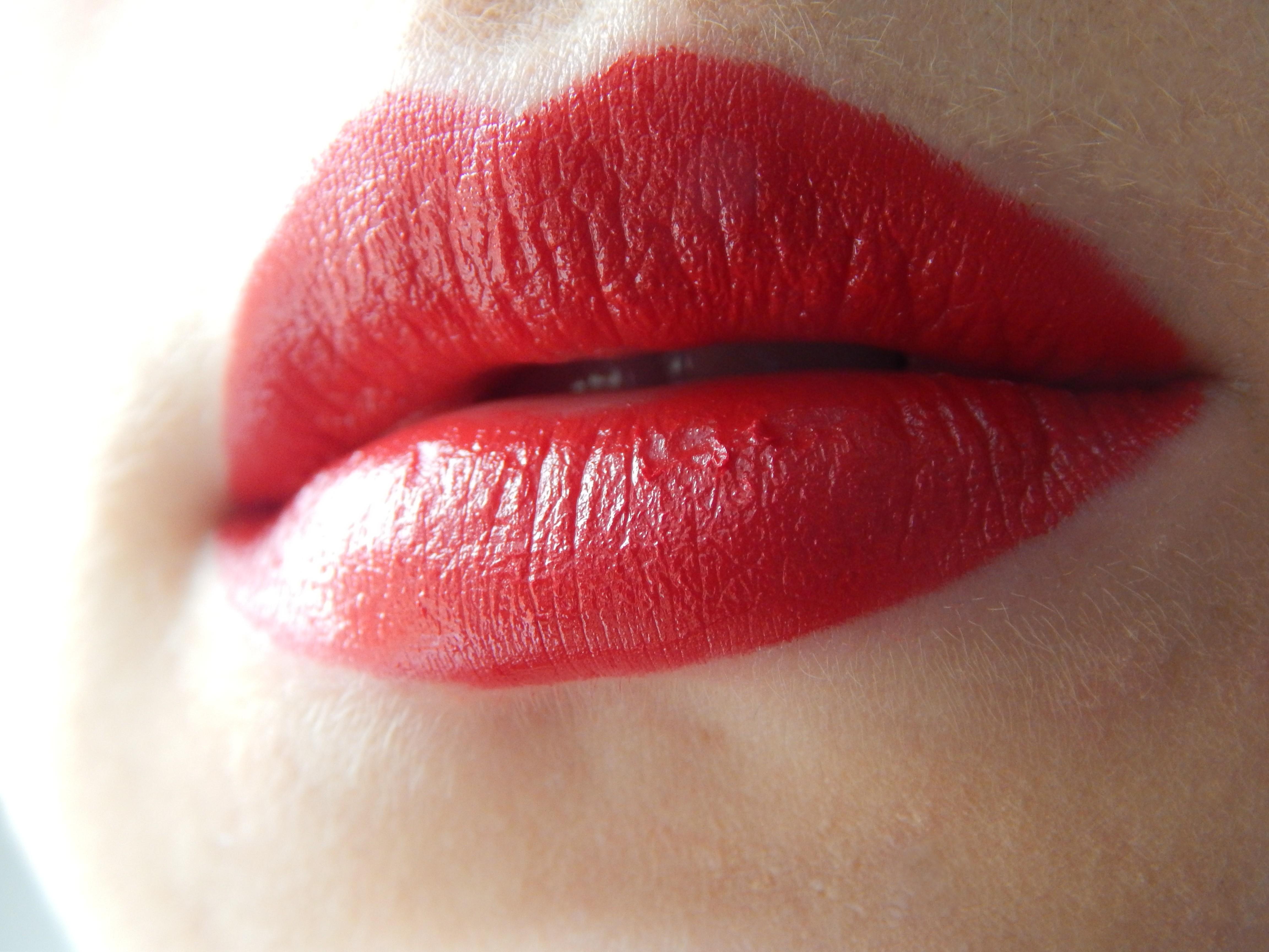 bouche rouge guerlain kisskiss