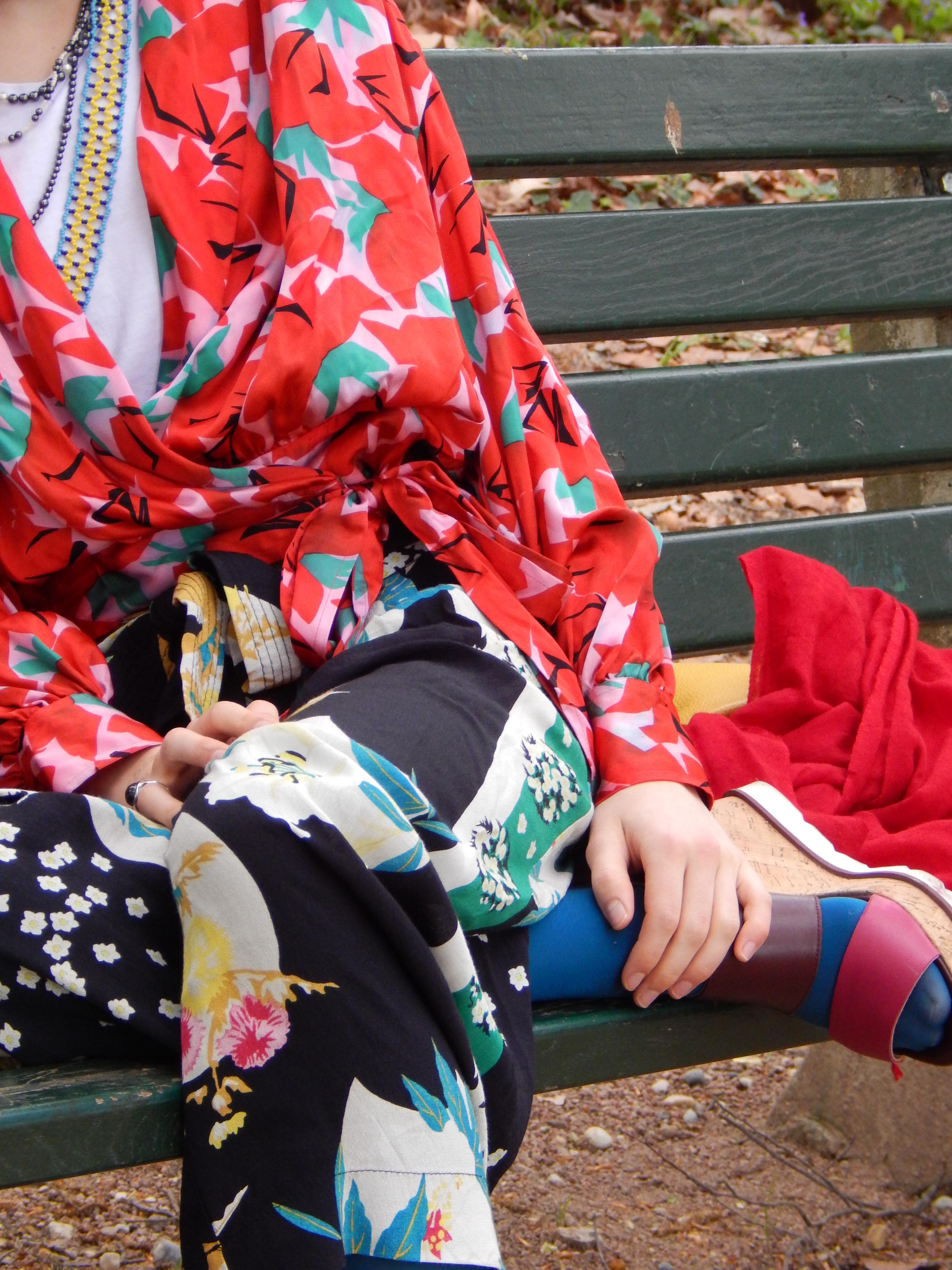tenue japonaise fleurie hyper colorée